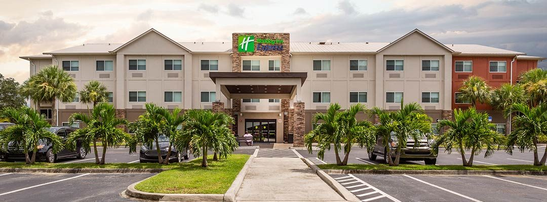 Neu bei den Privathotels Dr. Lohbeck: Holiday Inn Express Naples South – I-75 in Florida / USA